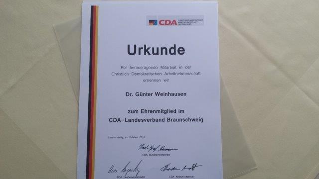 Ich habe mich gefreut, diese Ehrung mit Uwe Lagosky durchführen zu können: Dr. Günter Weinhausen ist nun Ehrenmitglied im CDA-Landesverband Braunschweig!
